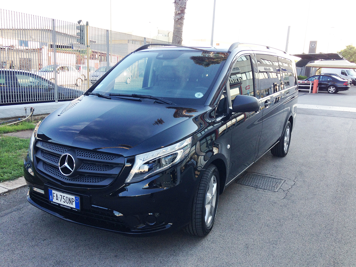 vip service car rental new mercedes vito tourer 8 seats. Black Bedroom Furniture Sets. Home Design Ideas