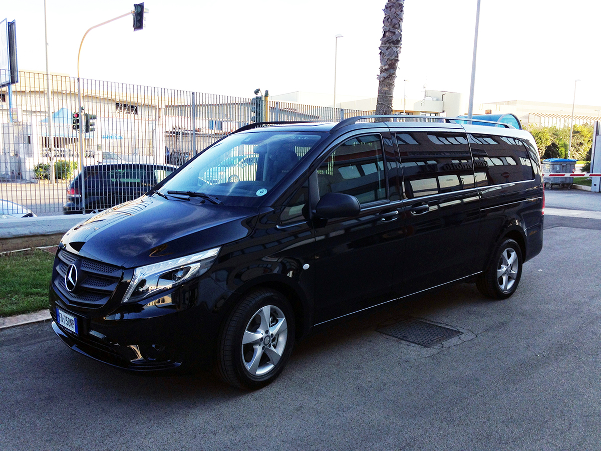 vip service car rental new mercedes vito tourer 8 seats. Black Bedroom Furniture Sets. Home Design Ideas